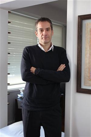Dr. Gabriel KESSLER Doctor en Sociología - Ecole des Hautes Etudes en Sciences Sociales, Paris  Profesor Universidad Nacional de General Sarmiento-Area de Sociología  y UdeSA -Maestría en Administración y Política Pública. Investigador del CONICET.