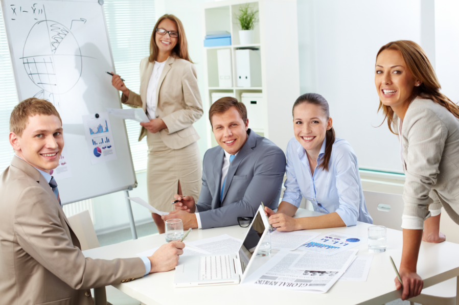 4 características del rol del analista organizacional